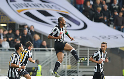 17.10.2010, Stadio Olimpico, Turin, ITA, Serie A, Juventus Turin vs US Lecce, im Bild L'esultanza dei giocatori della Juventus per il gol del 2-0 di Felipe Melo.Juventus players celebrate their teammate Felipe Melo 's 2-0 leading goal.EXPA Pictures © 2010, PhotoCredit: EXPA/ InsideFoto/ Giorgio Perottino +++++ ATTENTION - FOR AUSTRIA AND SLOVENIA CLIENT ONLY +++++..