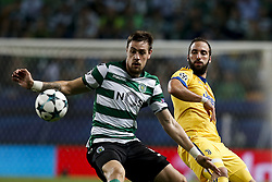October 31, 2017 - Lisbon, Portugal - Sporting's defender Sebastian Coates  (L) vies for the ball with Juventus's defender Giorgio Chiellini (R)  during Champions League 2017/18 match between Sporting CP vs Juventus FC, in Lisbon, on October 31, 2017. (Credit Image: © Carlos Palma/NurPhoto via ZUMA Press)