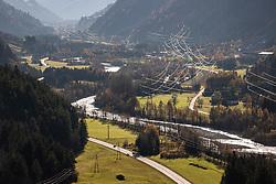 THEMENBILD - Übersicht auf Iseltal bei Huben. Aufgenommen in Oberpeischlach am Samstag 7. November 2020 // Overview of Iseltal near Huben. Osttirol, Austria on Saturday November 7th, 2020. EXPA Pictures © 2020, PhotoCredit: EXPA/ Johann Groder