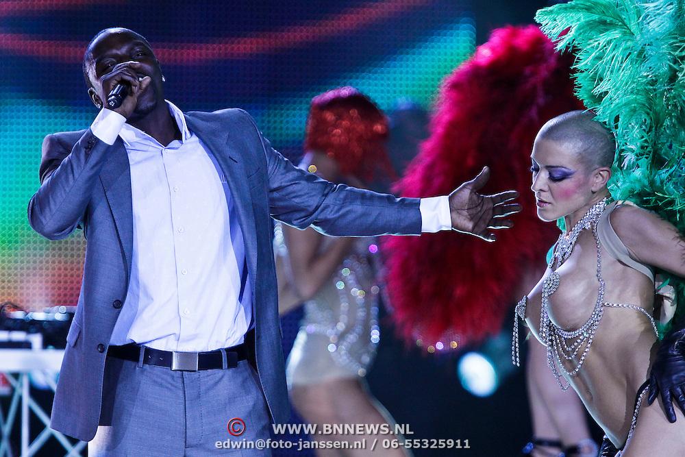 MON/Monte Carlo/20100512 - World Music Awards 2010, Akon en showdanseressen