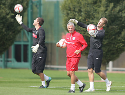 09.08.2010. Arsenal Training Ground, London, ENG, Nationalteam England Training, im Bild Ben Foster & Joe Hart train with the goalkeeping coach, EXPA Pictures © 2010, PhotoCredit: EXPA/ IPS/ Mark Atkins *** ATTENTION *** UK ..AND FRANCE OUT! / SPORTIDA PHOTO AGENCY