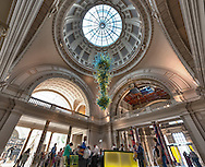 A high dynamic range photo of the lobby of the Victoria and Albert Museum.