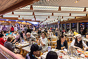 COSTA CROCIERE: cena al buffet, besides the a la carte dinner in the main restaurant, there is a rich buffet