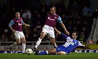 Fotball, 29. januar 2003, West Ham United v Blackburn Rovers. Barclaycard Premiership. <br />Paolo Di Canio, WH og  Lucas Neill, Blackburn<br />Foto: Greig Cowie, Digitalsport