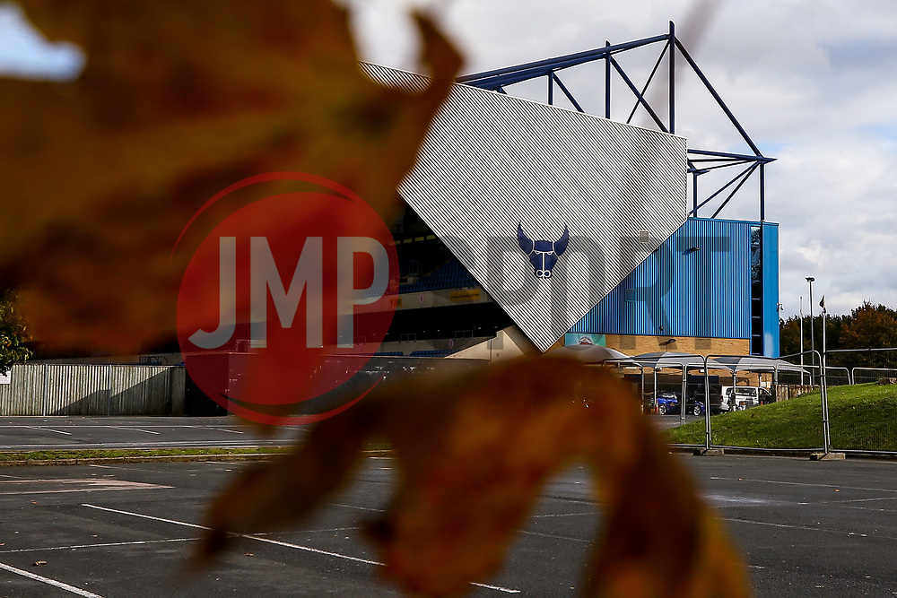 A general view of The Kassam Stadium, home to Oxford United - Mandatory by-line: Robbie Stephenson/JMP - 06/10/2020 - FOOTBALL - Kassam Stadium - Oxford, England - Oxford United v Bristol Rovers - Leasing.com Trophy