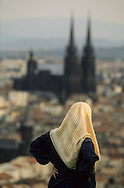 France. massif central. Clermont Ferrand. muslim women    watching The cathedral , the old city  view from Montjuzet Park France  /   La cathedrale , la vieille ville vue depuis le parc Montjuzet. musulmanes  Clermont Ferrand  France