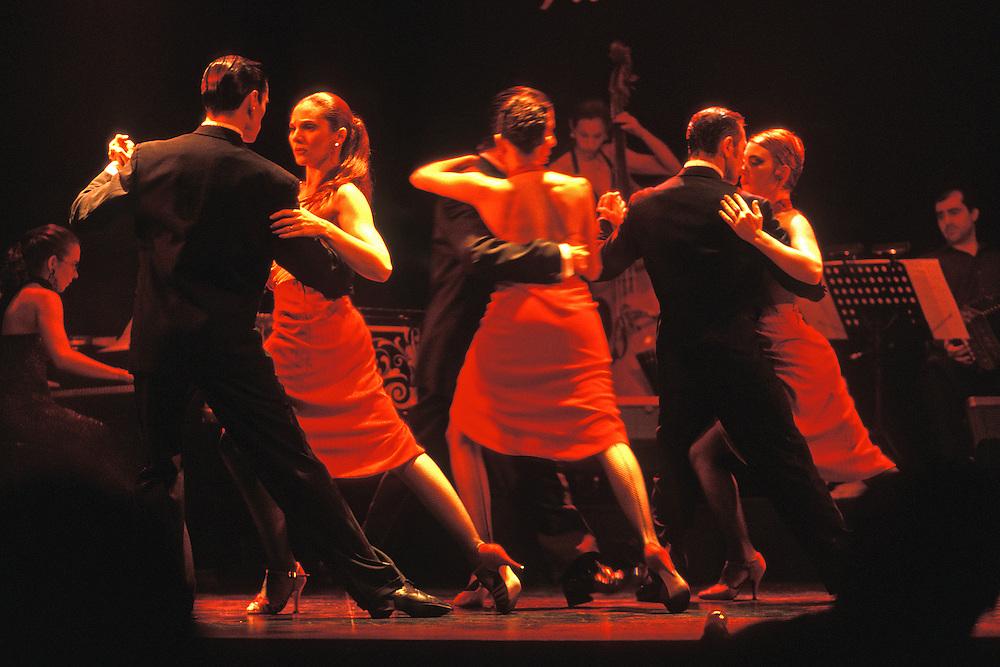 "Argentina. Buenos Aires..Actuación de tango en La Esquina de Homero Manzi..------------------------------------------------------------------.Tango show at ""La Esquina de Homero Manzi""...© JOAN COSTA"