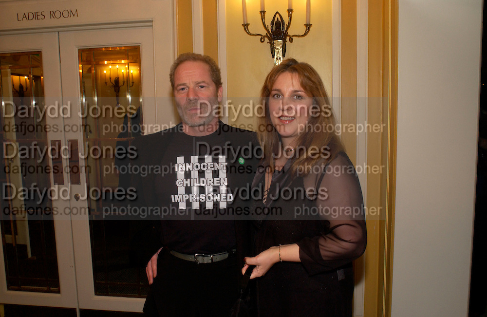Peter and Ann Mullen, 24th London Film Critics Circle Awards in aid of the NSPCC , ( AlFS) the Dorchester, 11 February 2004. © Copyright Photograph by Dafydd Jones 66 Stockwell Park Rd. London SW9 0DA Tel 020 7733 0108 www.dafjones.com