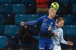 Mathias Høst (HB Køge) og Jonas Henriksen (FC Helsingør) under kampen i 1. Division mellem HB Køge og FC Helsingør den 4. december 2020 på Capelli Sport Stadion i Køge (Foto: Claus Birch).