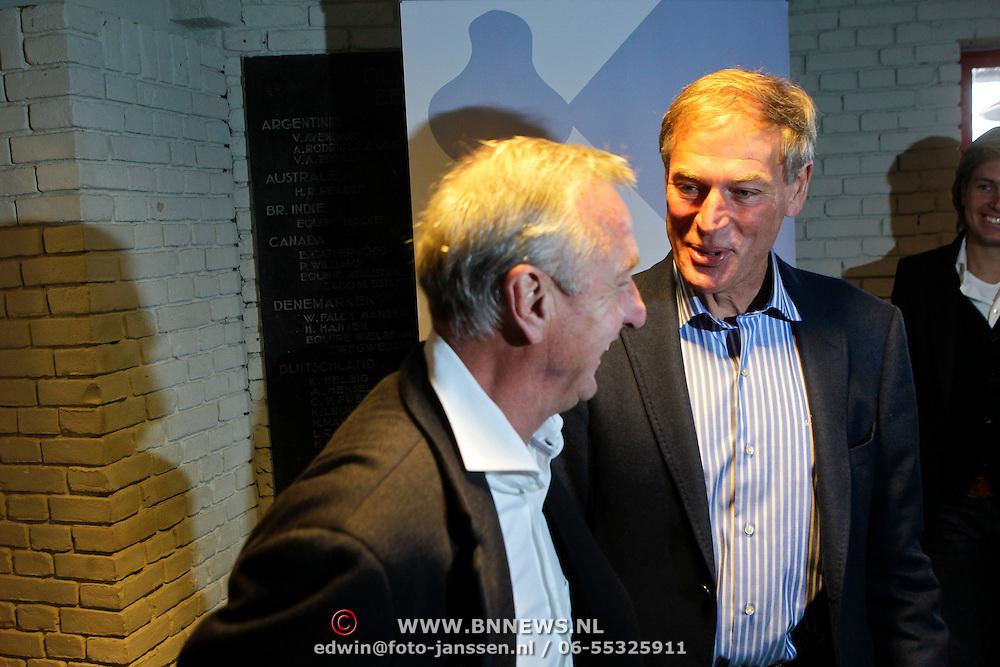 """NLD/Amsterdam/20111109- Boekpresentatie Ard Schenk """" Je tweede Jeugd begint nu"""", Ard en Johan Cruijff"""