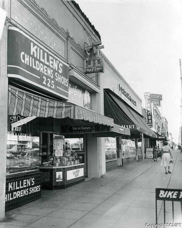 1955 Shops on Larchmont Blvd.
