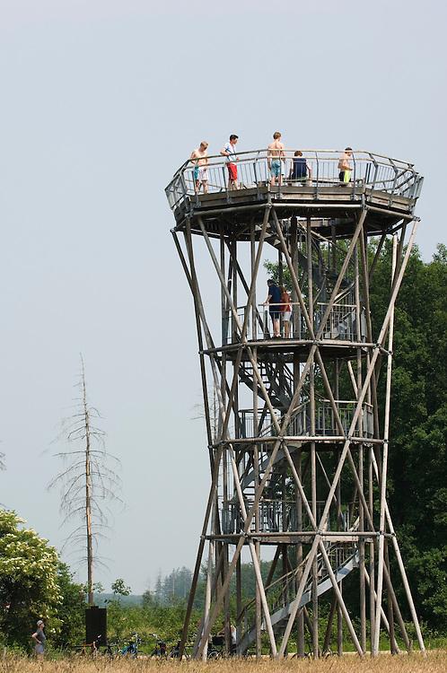 Nederland, Westerbork, 10 juni 2007.Uitkijktoren in natuurgebied.. Foto (c) Michiel Wijnbergh.