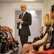 NLD/Amsterdam/20150306 - Modeshow Mart Visser 2015 Spring Summer, Contemporary Contrast, Mart Visser spreekt zijn publiek toe