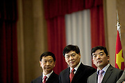 Cao Guangjing (third form left).<br /> Vitor Gaspar, portuguese Ministry of Finances.<br /> The president of China Three Gorges electric company, Cao Guangjing; the chairman of the board of Parpública, Joaquim Reis, and António Mexia, chairman of the Board of EDP signed an agreement that gives the first formal step for the acquisition of a state share of 21.35% in the EDP, the portuguese electric company.
