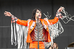 May 25, 2018 - Napa, California, U.S - LUKE SPILLER of The Struts during BottleRock Music Festival at Napa Valley Expo in Napa, California (Credit Image: © Daniel DeSlover via ZUMA Wire)