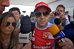 O piloto brasileiro Felipe Massa ao desembarcar para o Grande Prémio do Brasil de Fórmula 1, em Interlagos, São Paulo. FOTO: Jefferson Bernardes/Preview.com