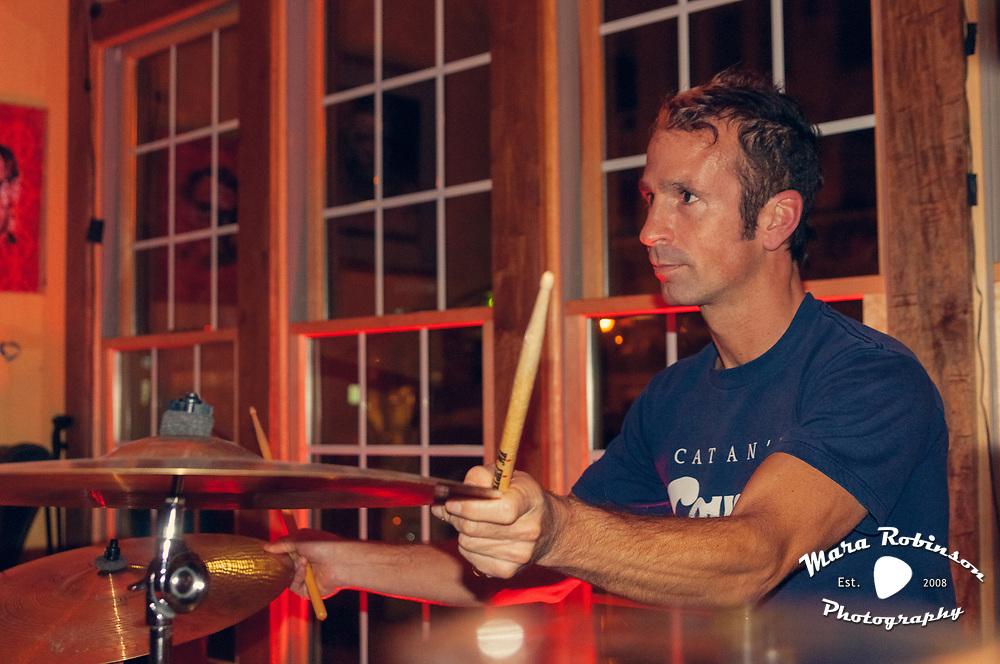 Eric Alleman spoken word at Lemongrove Youngstown by Cleveland music photographer Mara Robinson