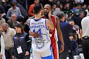 DESCRIZIONE : Campionato 2014/15 Dinamo Banco di Sardegna Sassari - Giorgio Tesi Group Pistoia<br /> GIOCATORE : Brian Sacchetti Tony Easley<br /> CATEGORIA : Fair Play<br /> SQUADRA : Dinamo Banco di Sardegna Sassari<br /> EVENTO : LegaBasket Serie A Beko 2014/2015<br /> GARA : Dinamo Banco di Sardegna Sassari - Giorgio Tesi Group Pistoia<br /> DATA : 01/02/2015<br /> SPORT : Pallacanestro <br /> AUTORE : Agenzia Ciamillo-Castoria / Luigi Canu<br /> Galleria : LegaBasket Serie A Beko 2014/2015<br /> Fotonotizia : Campionato 2014/15 Dinamo Banco di Sardegna Sassari - Giorgio Tesi Group Pistoia<br /> Predefinita :