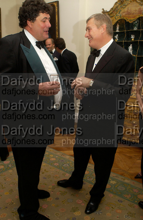 Tim Hoare and Giuseppe Ciardi . An Evening in honour of Salvatore Ferragamo hosted by the Ambassador of Italy. The Italian Embassy, 4 Grosvenor Square. London W1. 8 June 2005. ONE TIME USE ONLY - DO NOT ARCHIVE  © Copyright Photograph by Dafydd Jones 66 Stockwell Park Rd. London SW9 0DA Tel 020 7733 0108 www.dafjones.com