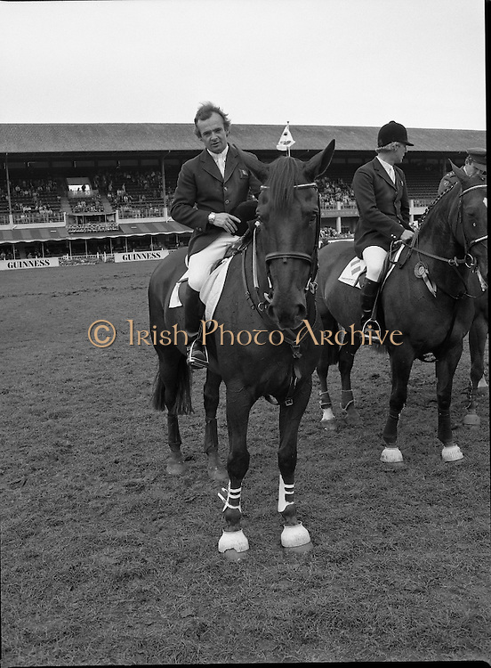 Guinness Competitions At The RDS Horse Show.(R39)..1986..09.08.1986..08.09.1986..9th August 1986..At the Dublin Horse Show at the RDS, Guinness sponsor several events,The Guinness Match International, The Novice Championship and the Guinness Tankard...A portrait of Paul Darragh aboard 'Carrolls Young Diamond' after his win in the Guinness Match International Competition.
