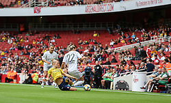 Leonie Maier of Arsenal tackles Verena Schweers of Bayern Munich - Mandatory by-line: Arron Gent/JMP - 28/07/2019 - FOOTBALL - Emirates Stadium - London, England - Arsenal Women v Bayern Munich Women - Emirates Cup