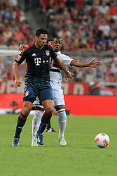 31.07.2013, Allianz Arena, Muenchen, Audi Cup 2013, FC Bayern Muenchen vs Sao Paulo, im Bild, Claudio PIZARRO (FC Bayern Muenchen), dahinter WELLINGTON (Sao Paulo FC) // during the Audi Cup 2013 match between FC Bayern Muenchen and Sao Paulon at the Allianz Arena, Munich, Germany on 2013/07/31. EXPA Pictures © 2013, PhotoCredit: EXPA/ Eibner/ Wolfgang Stuetzle<br /> <br /> ***** ATTENTION - OUT OF GER *****