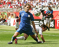 v.l. Carlos Paredes, Frank Lampard England<br /> Fussball WM 2006 England - Paraguay<br /> <br /> Norway only