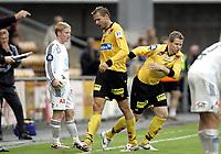 Fotball<br /> Tippeligaen Eliteserien<br /> 28.07.07<br /> Åråsen stadion<br /> Lillestrøm LSK - Odd Grenland<br /> LSKs Arild Sundgot ble byttet inn og så ut igjen - Her kommer Markus Kiesenebner inn<br /> Foto - Kasper Wikestad