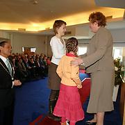 NLD/Huizen/20060323 - Afscheid burgemeester Jos Verdier als burgemester van Huizen, Willy Metz en kleinkinderen burgemeester Jos Verdier