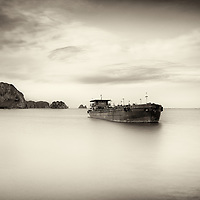 Title: Letter from Vietnam #13<br /> Year: 2016<br /> Place: Halong bay, Vietnam<br /> Photographer: Ezequiel Scagnetti ©<br /> <br /> This image is property of photographer Ezequiel Scagnetti and is protected under Belgian and international copyright law. Unless written consent of photographer Ezequiel Scagnetti, this image cannot be reproduced, transmitted, manipulated or copied. Violators will be prosecuted, worldwide.
