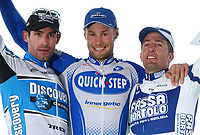 Sykkel<br /> Foto: Dppi/Digitalsport<br /> NORWAY ONLY<br /> <br /> UCI PRO TOUR<br /> PARIS - ROUBAIX 2005 - FRANCE -  10/04/2005 <br /> <br /> GEORGE HINCAPIE (USA) / DISCOVERY CHANNEL - 2ND - TOM BOONEN (BEL) / DAVITAMON-LOTTO - WINNER - JUAN ANTONIO FLECHA (ESP) / FASSA BORTOLO - 3RD