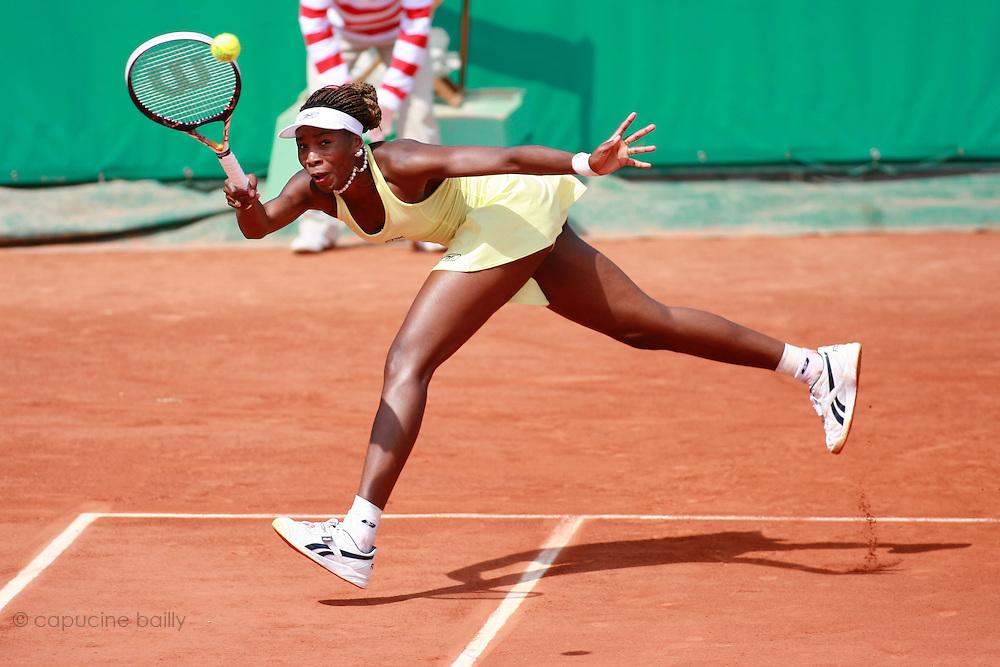 Roland Garros. Paris, France. June 2nd 2006..Venus Williams against Karolina Sprem.