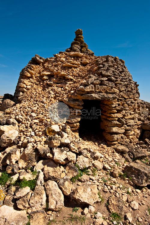 Chozo o cuco de piedra tipico de La Mancha. Minaya. Albacete ©Antonio Real Hurtado / PILAR REVILLA