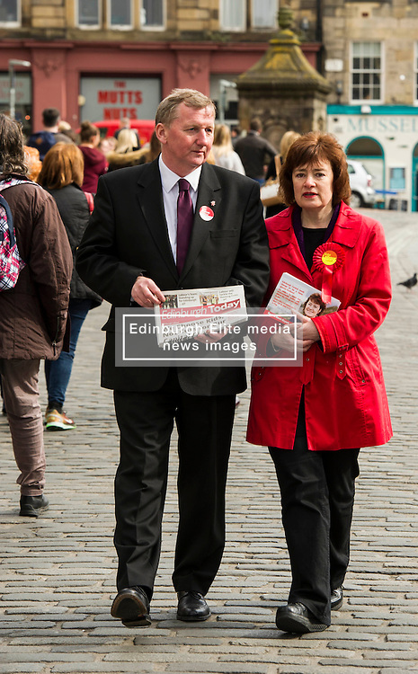 Pictured: Alex Rowley and Sarah Boyack<br /> <br /> Scottish Labour deputy leader Alex Rowley was joined by the party's environment spokeswoman Sarah Boyack and party activists at a farmers' market in the Grassmarket, Edinburgh today. <br /> <br /> Ger Harley   EEm 1 April 2016