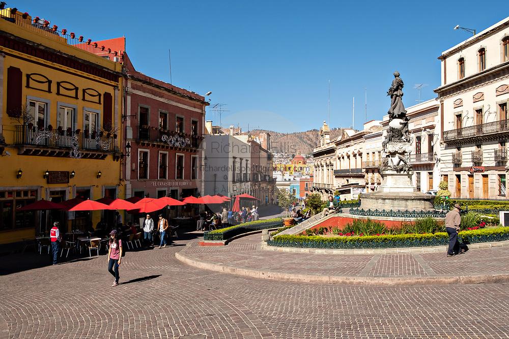 Peace Monument in the center of the Plaza of Peace or Plaza de la Paz in the historic center of Guanajuato City, Guanajuato, Mexico.
