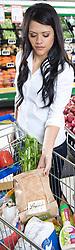 Women in supermarket, Bianca