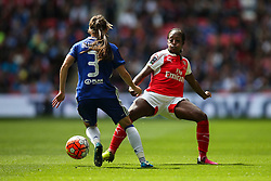 Danielle Carter of Arsenal Ladies looks to block Hannah Blundell of Chelsea Ladies - Mandatory byline: Jason Brown/JMP - 14/05/2016 - FOOTBALL - Wembley Stadium - London, England - Arsenal Ladies v Chelsea Ladies - SSE Women's FA Cup