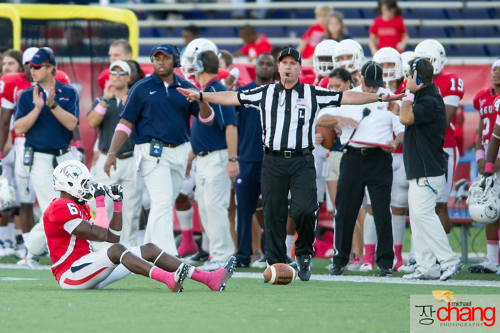 MOBILE, AL - OCTOBER 20:  Wide receiver Gabe Loper #6 of the South Alabama Jaguars reacts to a penalty against Florida Atlantic on October 20, 2012 at Ladd-Peebles Stadium in Mobile, Alabama. South Alabama defeated Florida Atlantic in the second overtime 37-34.  (Photo by Michael Chang/Getty Images) *** Local Caption *** Gabe Loper