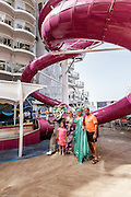 Royal Caribbean, Harmony of the Seas, souvenir photoshooting by the abyss of the sea