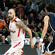 Olympiacos's Pero Antic (L) during their Turkish Airlines Euroleague Basketball Top 16 Group E Game 4 match Anadolu Efes between Olympiacos at Sinan Erdem Arena in Istanbul, Turkey, Wednesday, February 08, 2012. Photo by TURKPIX