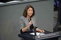06 NOV 2015, BERLIN/GERMANY:<br /> Katarina Barley, MdB, SPD, desigmierte Generalsekretaerin der SPD, haelt eine Rede, Bundestagsdebatte zur Regelung der Sterbebegleitung; Plenum, Deutscher Bundestag<br /> IMAGE: 20151106-01-061<br /> KEYWORDS: Sterbehilfe, Debatte