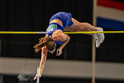 Rutger Koppelaar in action during the pole vault and jumps to the Dutch indoor record of Rens Blom during the Dutch Indoor Athletics Championship on February 22, 2020 in Omnisport De Voorwaarts, Apeldoorn