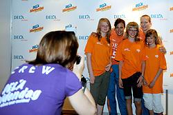 10-05-2008 VOLLEYBAL: DELA MEIDENDAG: APELDOORN<br /> Zo n 1500 meisjes woonden de teampresentatie van het Nederlands vrouwenvolleybalteam bij. De DELA meidendag werd weer een groot succes / Mirjam Orsel en Sanna Visser<br /> ©2008-WWW.FOTOHOOGENDOORN.NL