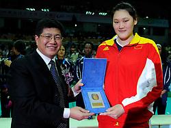 29-08-2010 VOLLEYBAL: WGP FINAL AWARDING CEREMONY: BEILUN NINGBO<br /> Best server Chinese Yimei Wang<br /> ©2010-WWW.FOTOHOOGENDOORN.NL