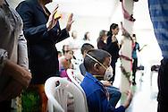 """Manuel Alejandro ora durante una misa de la """"Comunidad Cristiana de Restauración y Avivamiento Unidad en Cristo"""". Gracias a FundaHigado, en junio de 2012, recibió un trasplante de higado que le permite disfrutar de la vida. Maracaibo, Venezuela 20 y 21 Oct. 2012. (Foto/ivan gonzalez)"""