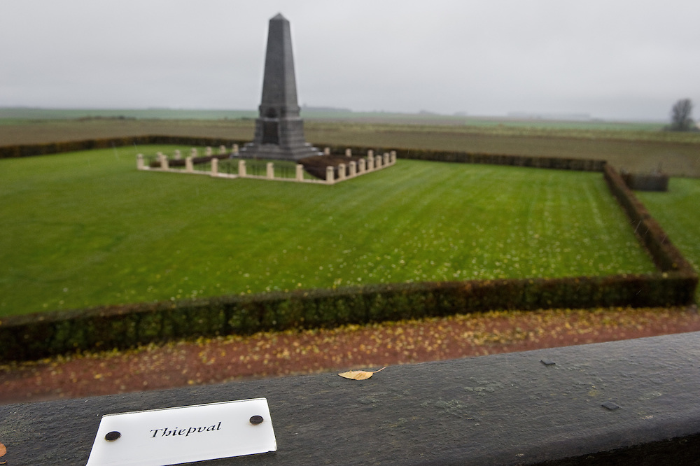 The First Australian Division Memorial . The memorial commemorates the men of the First Australian Division who fought in France and Belgium in 1916, 1917 and 1918. On the bronze tablet is a list of battles fought by the 1st Australian Division.  The Battle of Pozières was a two week struggle (23 July – 7 August 1916) by British and Australian divisions for the capture of the village of Pozieres during  the 1916 battle of the Somme.