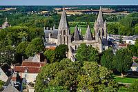 France, Indre-et-Loire (37), Loches, la cité médiévale, le Logis Royal et le chateau, Eglise St-Ours, vieille ville // France, Indre-et-Loire (37), Loches, Royal castle and dwelling, St-Ours church, old town