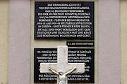 Semnevice (Kleinsemlowitz)/Tschechische Republik, CZE, 13.12.06: Gedenktafel zwischen Sudetendeutschen Gräbern auf dem örtlichen Friedhof des Dorfes Semnevice in der Nähe der Stadt Domazlice.<br /> <br /> Semnevice (Kleinsemlowitz)/Czech Republic, CZE, 13.12.06: Memorial plaque inbetween Sudeten German graves at the cemetary of the village Semnevice close to the city Domazlice.