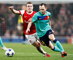 16.02.2011, Emirates Stadium, London, ENG, UEFA CL, FC Arsenal vs FC Barcelona, im Bild Arsenal's Jack Wilshere and Barcelona's Andres Iniesta (3rd vice-captain)   in Arsenal vs Barcelona for the UCL  ,Round of last 16, at the Emirates Stadium in London on 16/02/2011, EXPA Pictures © 2011, PhotoCredit: EXPA/ IPS/ Kieran Galvin +++++ ATTENTION - OUT OF ENGLAND/GBR and France/ FRA +++++