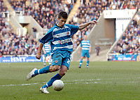 Photo: Kevin Poolman.<br />Reading v Birmingham City. The FA Cup. 28/01/2006.<br />Shane Long scores Reading's first goal.